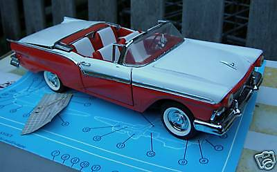 RARE FRANKLIN MINT 1957 FORD FAIRLANE 500 SKYLINER CAR